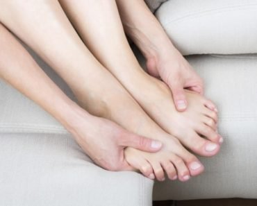 Что делать с отекшими ногами до похода к врачу