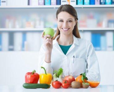 Врач подбирает индивидуальную диету